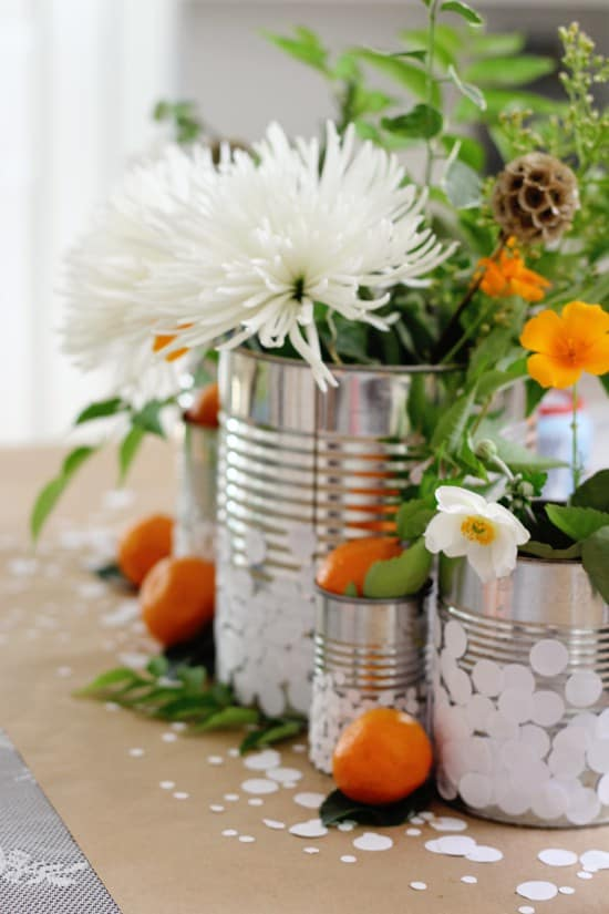 Believe it or not, you can create stunning centerpieces without spending much at all. We've found some beautiful DIY wedding centerpieces ideas that looking anything but cheap.