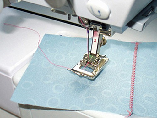 zigzagged first stitch in french seam - sewing seams