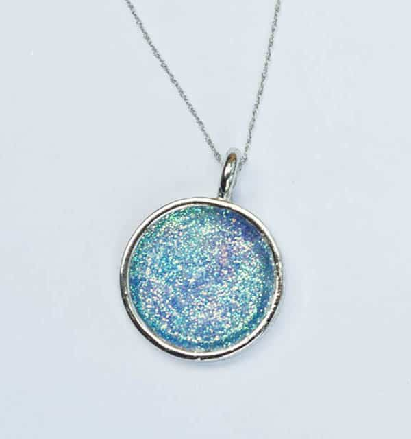 Glitter Necklace - jewelry ideas