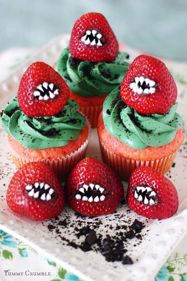 Monster Strawberry Cupcakes - cupcake decorating ideas