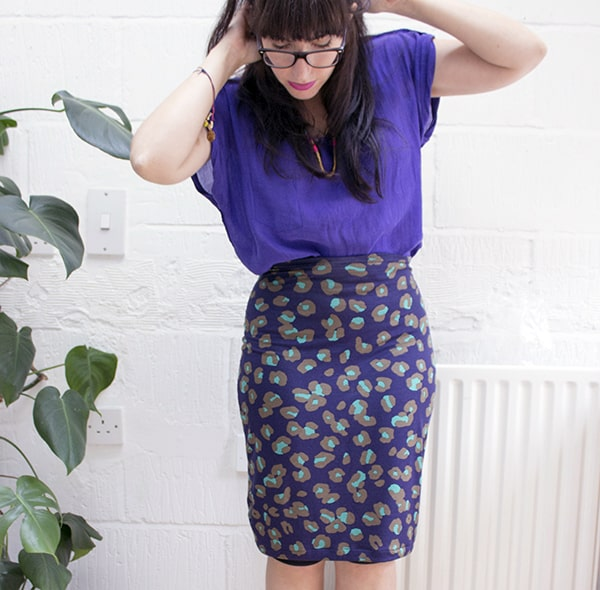 Stretch Pencil Skirt - how to sew clothes