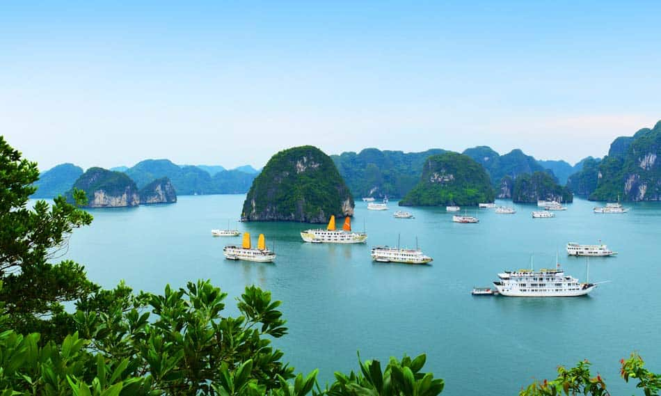Hạ Long Bay Vietnam - cheap place to fly