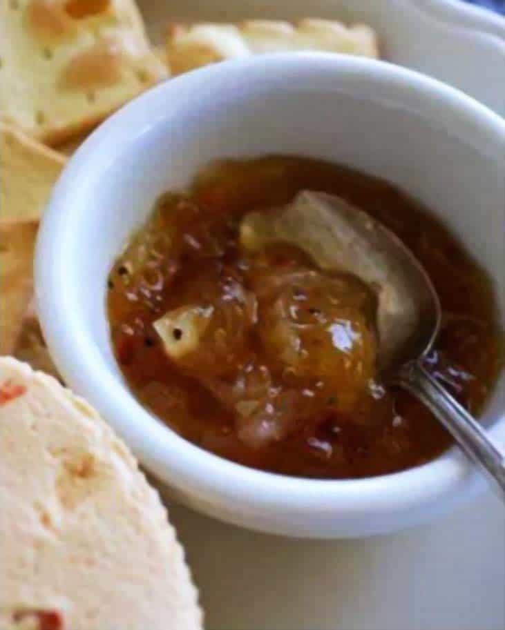 sweet & spicy onion marmalade - recipe canning vegetables