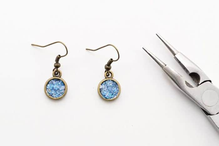 Sparkling Glitter Druzy Earrings - beginner jewelry projects