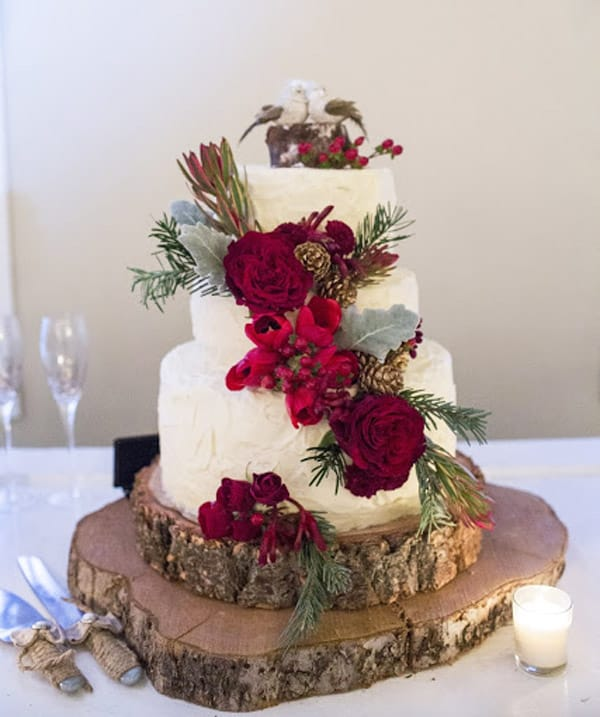 Red Barn Christmas Wedding Cake - wedding cake decorating ideas