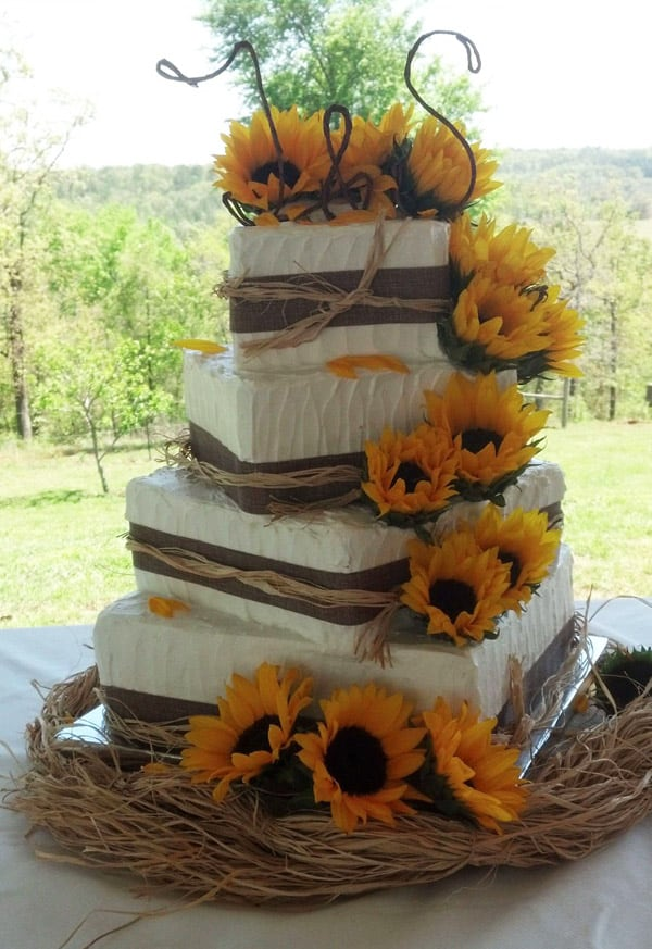 Sunflower Wedding Cake - wedding cake decorating ideas