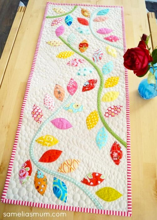 Bursting Buds Table Runner - DIY sewing projects