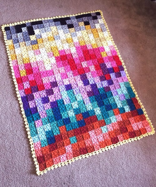 Pixelated - crochet baby blanket