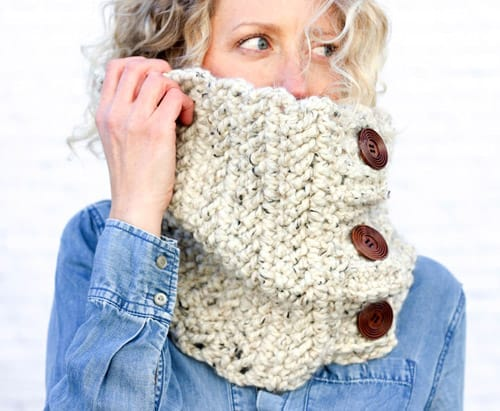 The Bixby Crochet Cowl - quick crochet projects