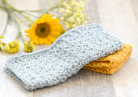 Farm House - crochet washcloth