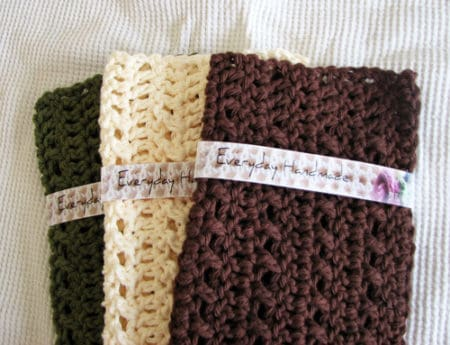 Simple Lacy Look - crochet washcloth