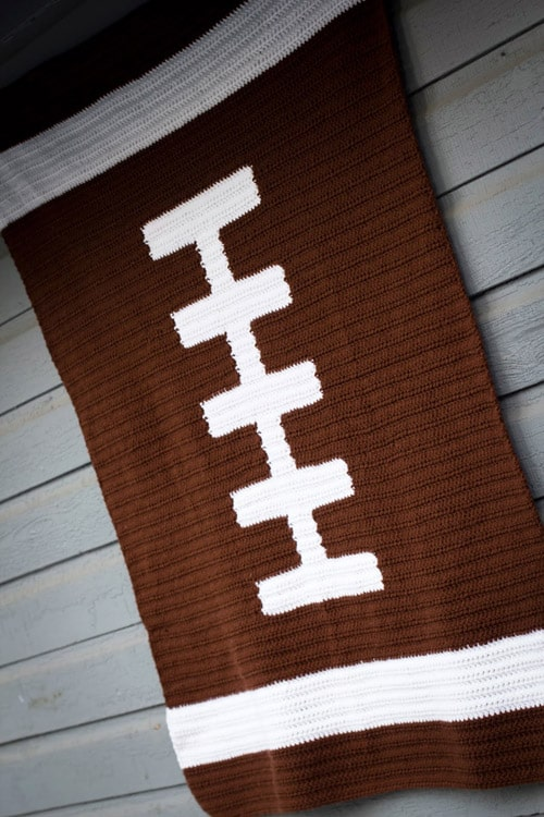 Tapestry Football - free crochet blanket patterns