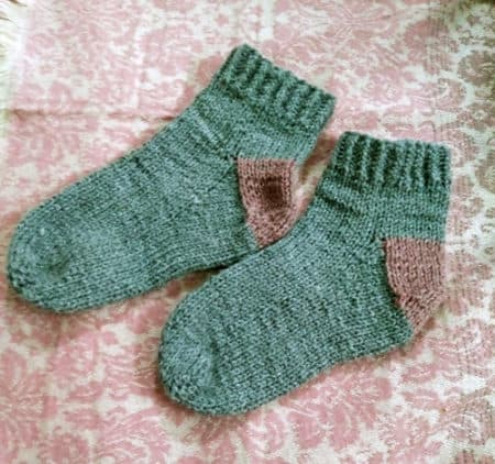 10 Simple Sock Knitting Patterns For Beginner Knitters Ideal Me