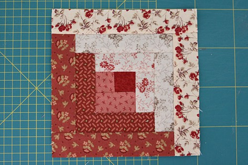 Two Tone Log Cabin Quilt Blocks