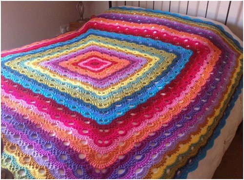 Rectangle Virus Blanket - Whether it's an easy crochet blanket you're after or something more complex, these crochet blanket patterns have something for everyone. #crochetblanketpatterns #crochetpatterns #crochetblanket, #crochet #freecrochetpatterns