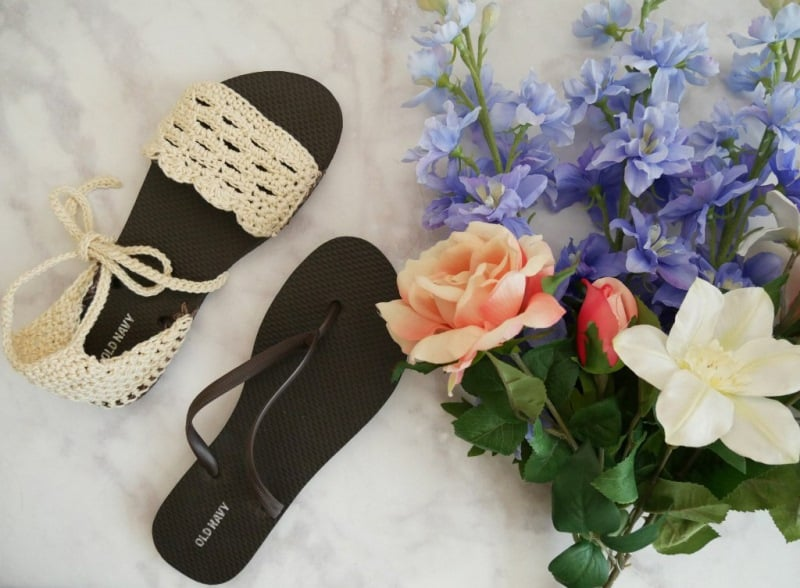 Crochet Sandals with Flip Flop Soles - These crochet sandals and barefoot sandals are the perfect summer crochet projects. These crochet patterns take just a little bit of yarn. #CrochetSandals #CrochetPatterns #CrochetSandalPatterns