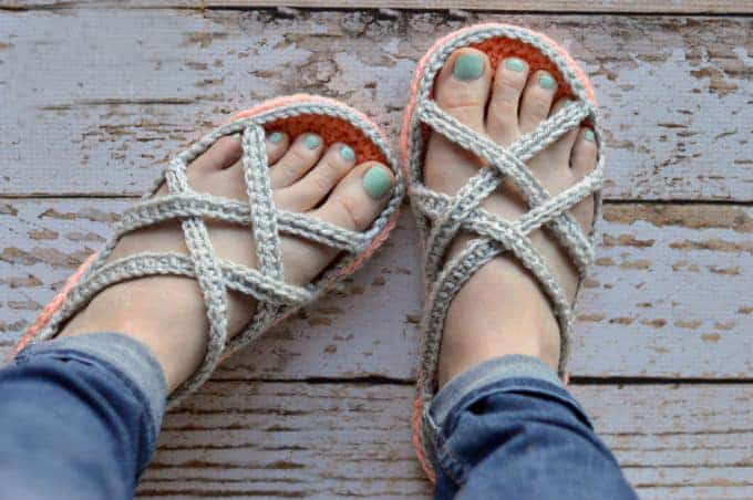 Light Crochet Sandals - These crochet sandals and barefoot sandals are the perfect summer crochet projects. These crochet patterns take just a little bit of yarn. #CrochetSandals #CrochetPatterns #CrochetSandalPatterns