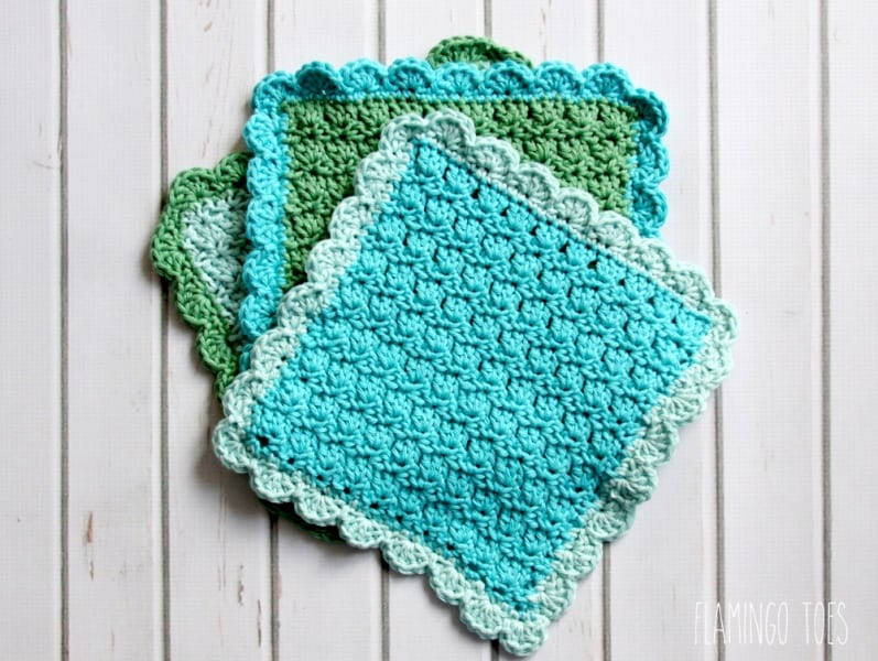 Easy Crochet Dishcloth - These crochet dishcloth patterns are all free and are so different from each other. Test your creativity with one of these brilliant dishcloth patterns. #CrochetDishclothPatterns #CrochetPatterns #DishclothPatterns
