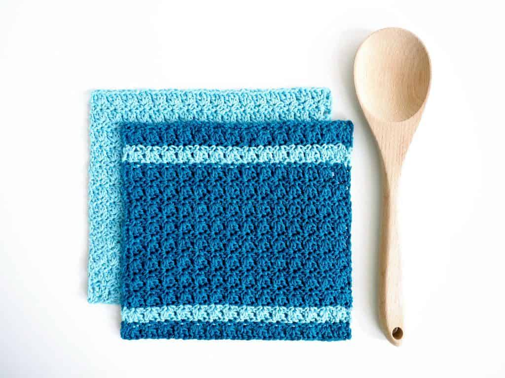 Primrose Dishcloth - These crochet dishcloth patterns are all free and are so different from each other. Test your creativity with one of these brilliant dishcloth patterns. #CrochetDishclothPatterns #CrochetPatterns #DishclothPatterns
