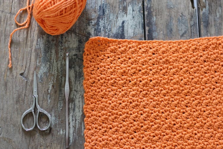 Rustic Dishcloth - These crochet dishcloth patterns are all free and are so different from each other. Test your creativity with one of these brilliant dishcloth patterns. #CrochetDishclothPatterns #CrochetPatterns #DishclothPatterns