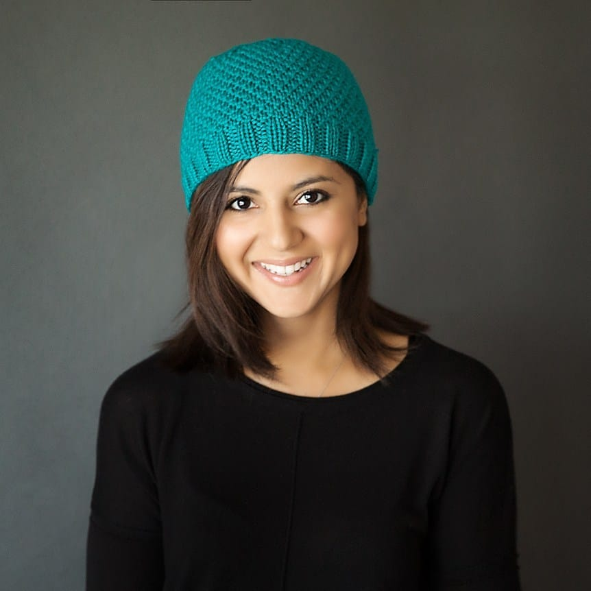 Chic Knit Beanie - These 23 easy knitting patterns for hats are a perfect starting place for beginners, and they're fun to do for even seasoned knitters. #knittingpatterns #knithatpatterns