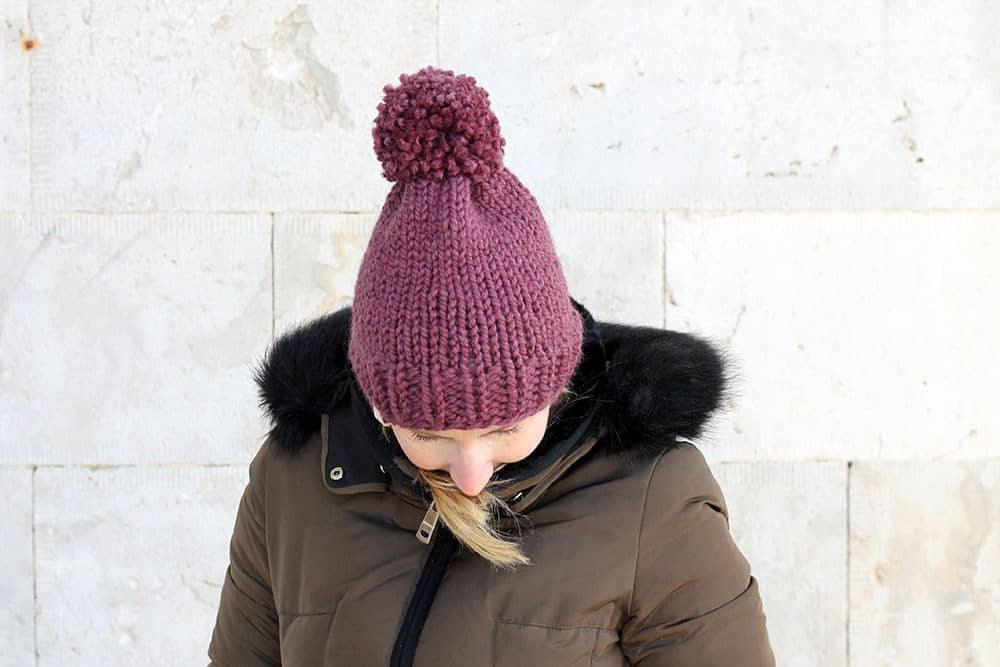 Easy Knit Hat - These 23 easy knitting patterns for hats are a perfect starting place for beginners, and they're fun to do for even seasoned knitters. #knittingpatterns #knithatpatterns
