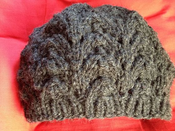 Fishtail Hat - These 23 easy knitting patterns for hats are a perfect starting place for beginners, and they're fun to do for even seasoned knitters. #knittingpatterns #knithatpatterns