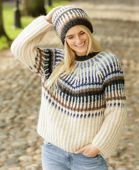 Urban Autumn Hat - These 23 easy knitting patterns for hats are a perfect starting place for beginners, and they're fun to do for even seasoned knitters. #knittingpatterns #knithatpatterns