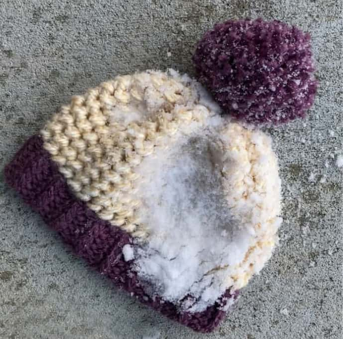 Love This Chunky Crochet Hat - These 26 crochet winter hat patterns are perfect to create a winter hat accessory that you love and can rely on. #crochetwinterhat #crochetpatterns #crochethatpatterns