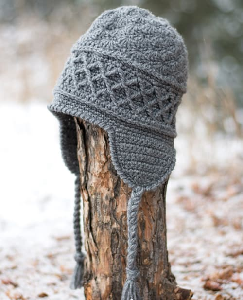 Snow Country Ski Hat - These 26 crochet winter hat patterns are perfect to create a winter hat accessory that you love and can rely on. #crochetwinterhat #crochetpatterns #crochethatpatterns